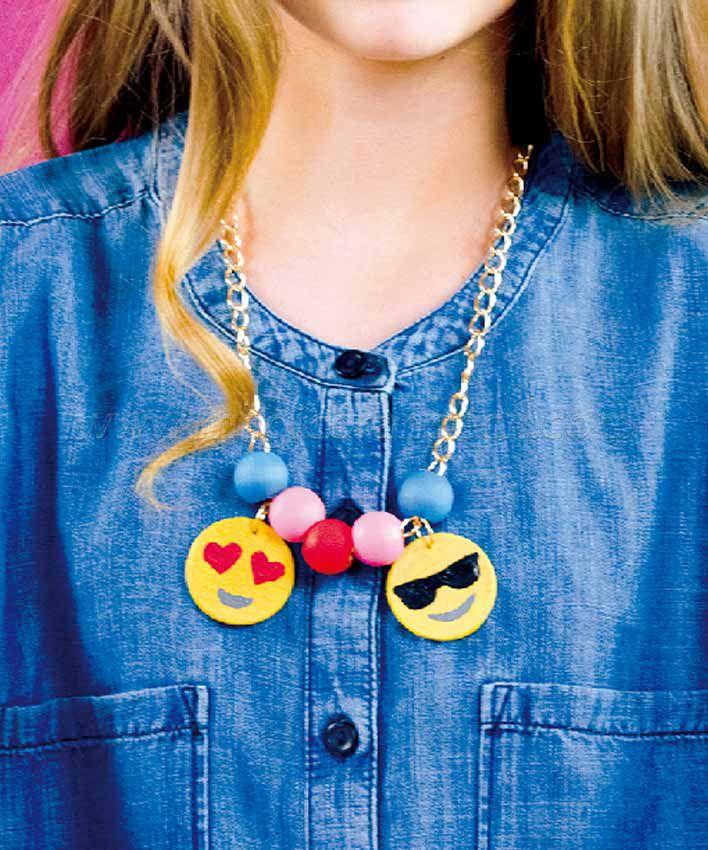 DYO Charming Emoji Necklace KT01562